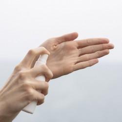 Gel hydroalcoolique et crème hydratante mains
